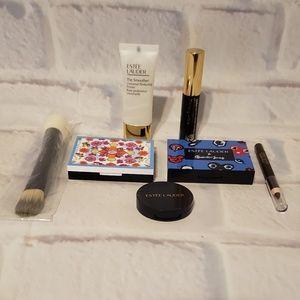 Estee Lauder 7 Piece Sample Make up and Brush Set